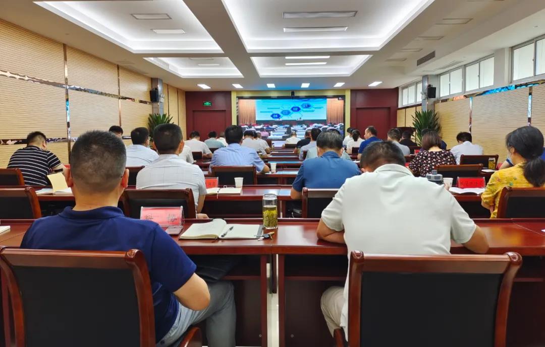 我县集合收看《中华国民共和国村落复兴增进法》宣讲报告会