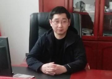 betway必威体育县建华玻纤厂厂长  宋建华