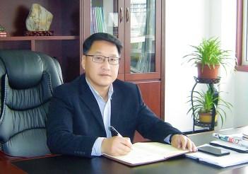 安徽弘力金属复合材料有限公司任董事长、总经理  杭逸夫