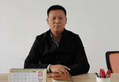 安徽金易智能机器有限公司董事长、总经理  吕锡成